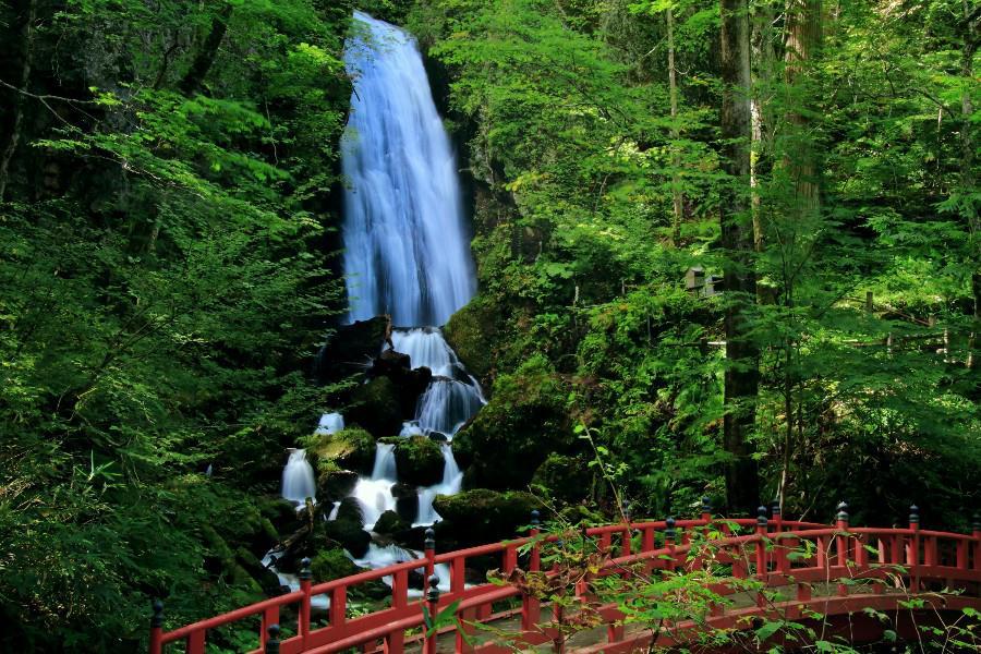 不動の滝 【岩手県八幡平市】 日本の滝百選